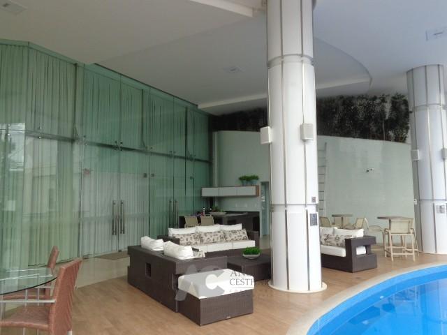 Deck piscina área comum