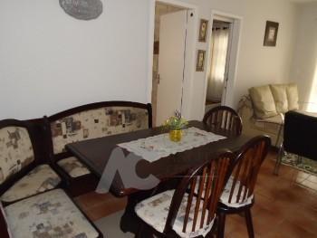 Imóvel com 3 dormitórios, mobiliado no centro.