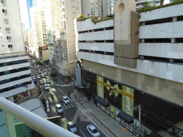 Vista da sacada para AV. Brasil