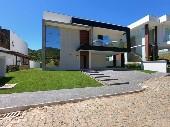 Casa com 3 suítes em Alto padrão