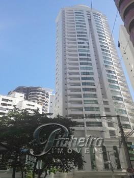 Apartamento novo quadra mar em Balneário Camboriú!