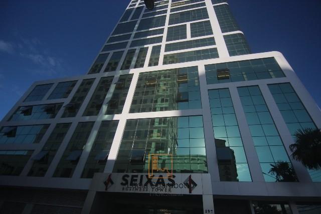 Sala em Edifício Comercial em Itajaí-SC.