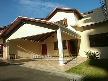 Casa Cond. Fechado 3 Suítes 380m² - Vila Rosália
