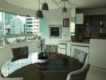 Lindo apartamento de 2 suítes