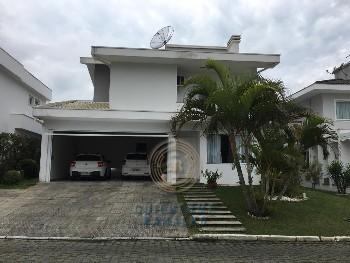 LOCAÇÃO OU VENDA!Ótima casa em condominio fechado