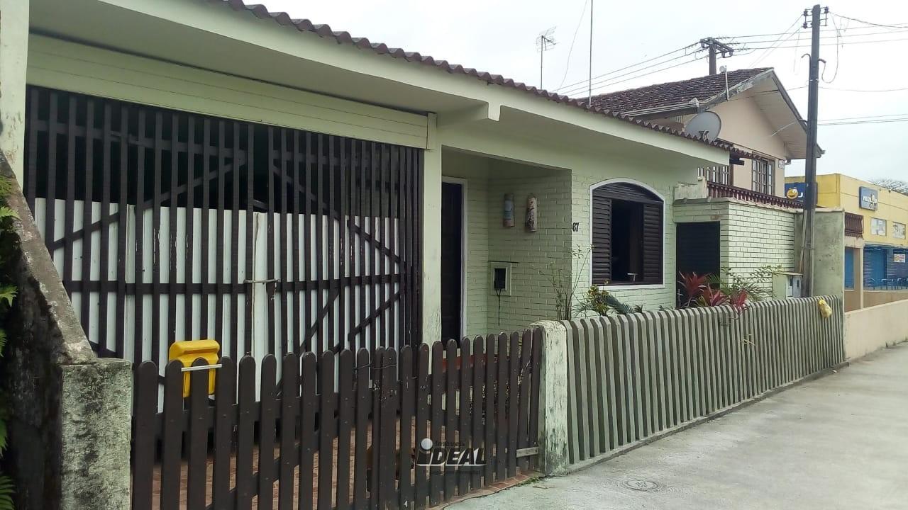 casa em praia de leste Pontal do Paraná
