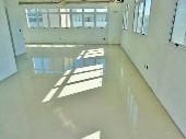 Sala aérea com 95m² no Centro