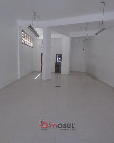 Sala térrea de 102m² no Centro