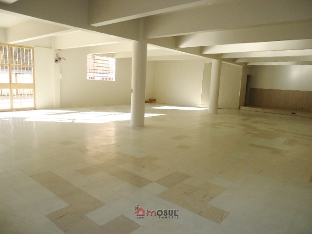 Sala Térrea 110m² no Centro Subsolo