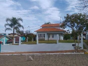 Casa em Cotiporã - 3 dorm. BG.