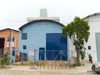 Pavilhão á venda em São Roque.