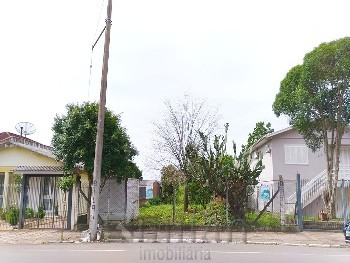 Terreno para construção de comércio e moradia.