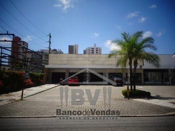 Alugue 3 lojas em shopping de rua na Aldeota