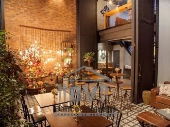Restaurante e buffet tradicional em bairro nobre