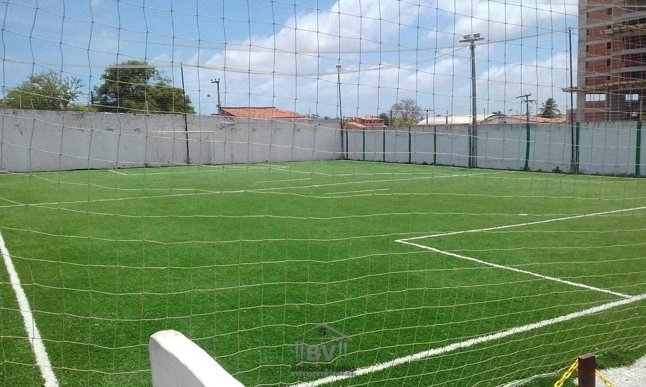 Campo society com grama sintética, em Fortaleza